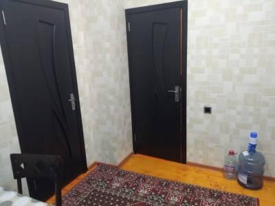 Bakı şəhəri, Binəqədi rayonu, 8-ci mikrorayon qəsəbəsində, 3 otaqlı yeni tikili kirayə verilir (Elan: 155249)
