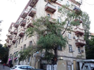 Bakı şəhəri, Yasamal rayonunda, 2 otaqlı köhnə tikili satılır (Elan: 106344)