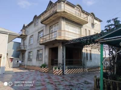 Bakı şəhəri, Binəqədi rayonunda, 8 otaqlı ev / villa satılır (Elan: 138636)