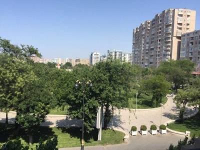 Bakı şəhəri, Nəsimi rayonunda, 3 otaqlı köhnə tikili satılır (Elan: 113681)