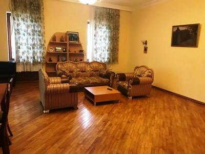 Bakı şəhəri, Nərimanov rayonunda, 12 otaqlı ev / villa satılır (Elan: 109299)