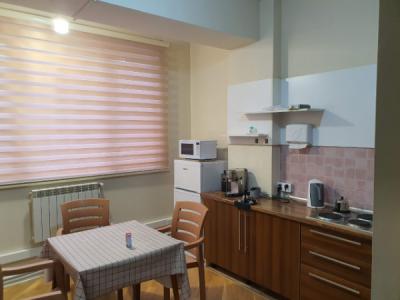 Bakı şəhəri, Yasamal rayonunda, 4 otaqlı ofis kirayə verilir (Elan: 113915)