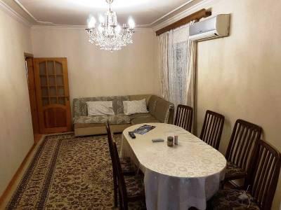 Bakı şəhəri, Yasamal rayonunda, 3 otaqlı köhnə tikili satılır (Elan: 140605)