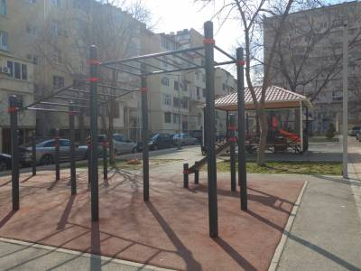 Bakı şəhəri, Yasamal rayonunda, 2 otaqlı köhnə tikili kirayə verilir (Elan: 171981)