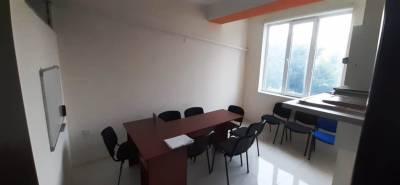 Bakı şəhəri, Binəqədi rayonu, 8-ci mikrorayon qəsəbəsində, 10 otaqlı ofis kirayə verilir (Elan: 154805)