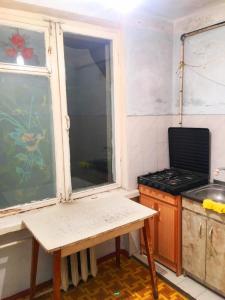 Bakı şəhəri, Nizami rayonu, 8-ci kilometr qəsəbəsində, 2 otaqlı köhnə tikili satılır (Elan: 108716)