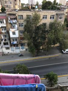 Bakı şəhəri, Binəqədi rayonu, 7-ci mikrorayon qəsəbəsində, 1 otaqlı köhnə tikili satılır (Elan: 108247)