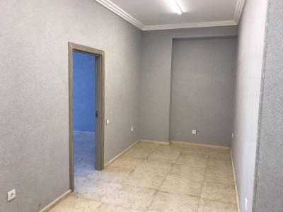 Bakı şəhəri, Nərimanov rayonunda, 3 otaqlı ofis kirayə verilir (Elan: 113928)