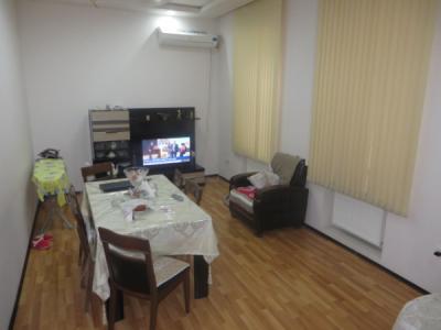 Bakı şəhəri, Səbail rayonunda, 3 otaqlı köhnə tikili satılır (Elan: 106926)