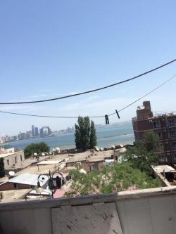 Bakı şəhəri, Səbail rayonu, Bayıl qəsəbəsində, 2 otaqlı köhnə tikili kirayə verilir (Elan: 201080)