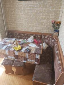 Bakı şəhəri, Yasamal rayonu, Yeni Yasamal qəsəbəsində, 3 otaqlı köhnə tikili satılır (Elan: 108488)