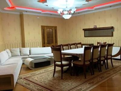 Bakı şəhəri, Binəqədi rayonunda, 4 otaqlı yeni tikili kirayə verilir (Elan: 109572)