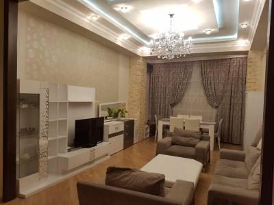 Bakı şəhəri, Xətai rayonunda, 3 otaqlı yeni tikili kirayə verilir (Elan: 160114)