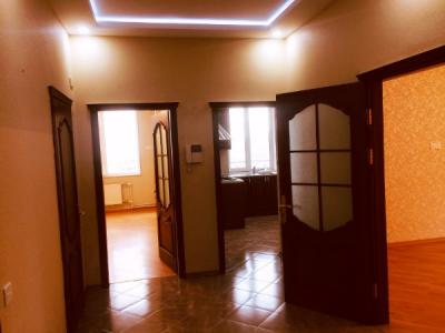 Bakı şəhəri, Yasamal rayonunda, 2 otaqlı yeni tikili kirayə verilir (Elan: 106707)