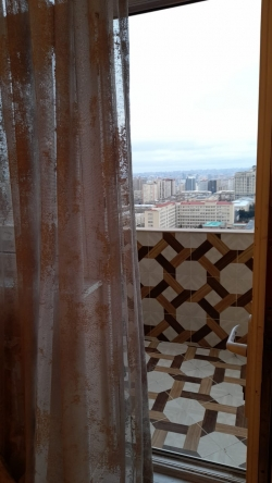Bakı şəhəri, Yasamal rayonunda, 4 otaqlı yeni tikili kirayə verilir (Elan: 201076)