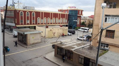 Bakı şəhəri, Suraxanı rayonu, Qaraçuxur qəsəbəsində, 4 otaqlı köhnə tikili satılır (Elan: 108556)