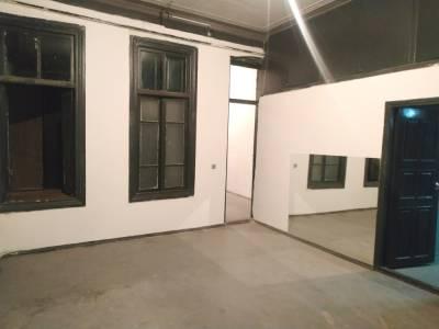 Bakı şəhəri, Səbail rayonunda, 4 otaqlı ofis kirayə verilir (Elan: 156629)