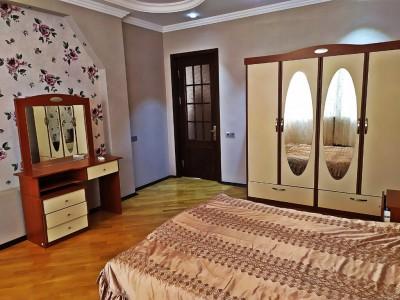Bakı şəhəri, Xətai rayonu, Əhmədli qəsəbəsində, 6 otaqlı ev / villa kirayə verilir (Elan: 109574)