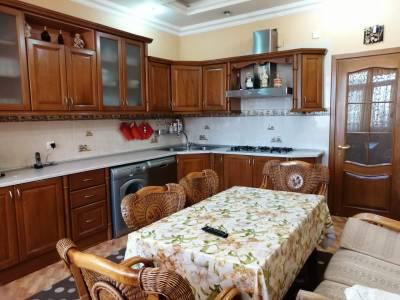 Bakı şəhəri, Nəsimi rayonunda, 4 otaqlı yeni tikili satılır (Elan: 161132)