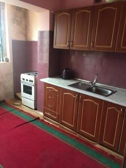 Bakı şəhəri, Binəqədi rayonu, 8-ci mikrorayon qəsəbəsində, 2 otaqlı köhnə tikili satılır (Elan: 193678)