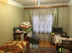 Bakı şəhəri, Yasamal rayonu, Yeni Yasamal qəsəbəsində, 2 otaqlı köhnə tikili satılır (Elan: 193629)