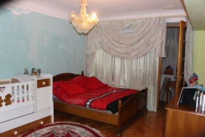 Bakı şəhəri, Nərimanov rayonunda, 5 otaqlı köhnə tikili satılır (Elan: 111170)