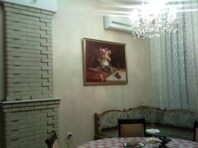 Bakı şəhəri, Yasamal rayonunda, 6 otaqlı köhnə tikili satılır (Elan: 172568)