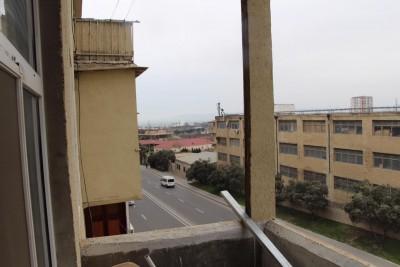 Bakı şəhəri, Xətai rayonu, Əhmədli qəsəbəsində, 3 otaqlı köhnə tikili satılır (Elan: 109741)