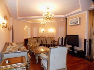 Bakı şəhəri, Nərimanov rayonunda, 5 otaqlı yeni tikili kirayə verilir (Elan: 126545)