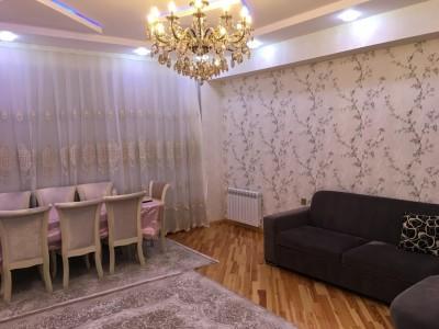 Bakı şəhəri, Yasamal rayonunda, 3 otaqlı yeni tikili kirayə verilir (Elan: 108891)