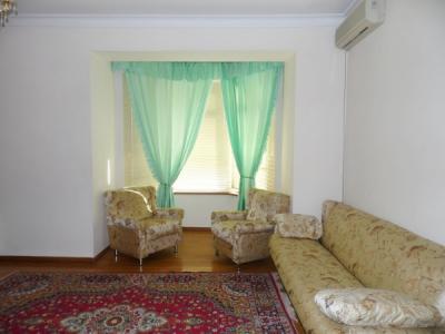 Bakı şəhəri, Yasamal rayonunda, 4 otaqlı yeni tikili kirayə verilir (Elan: 108424)
