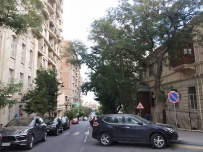 Bakı şəhəri, Səbail rayonunda, 2 otaqlı köhnə tikili satılır (Elan: 152304)