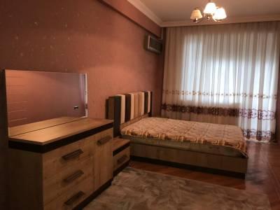 Bakı şəhəri, Xətai rayonunda, 3 otaqlı yeni tikili kirayə verilir (Elan: 158540)