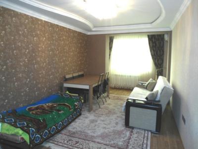 Bakı şəhəri, Yasamal rayonu, Yeni Yasamal qəsəbəsində, 3 otaqlı yeni tikili satılır (Elan: 106634)