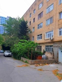 Bakı şəhəri, Səbail rayonu, Badamdar qəsəbəsində, 3 otaqlı köhnə tikili satılır (Elan: 188418)