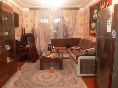 Bakı şəhəri, Nizami rayonu, 8-ci kilometr qəsəbəsində, 3 otaqlı köhnə tikili satılır (Elan: 161109)