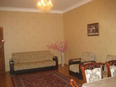 Bakı şəhəri, Nərimanov rayonunda, 3 otaqlı yeni tikili kirayə verilir (Elan: 167540)