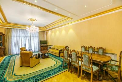 Bakı şəhəri, Səbail rayonunda, 4 otaqlı yeni tikili kirayə verilir (Elan: 109525)