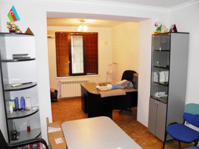 Bakı şəhəri, Nərimanov rayonunda, 3 otaqlı ofis kirayə verilir (Elan: 106724)