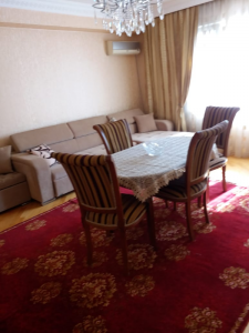 Bakı şəhəri, Nərimanov rayonunda, 3 otaqlı köhnə tikili satılır (Elan: 108420)
