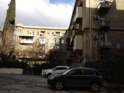 Bakı şəhəri, Nərimanov rayonunda, 2 otaqlı köhnə tikili satılır (Elan: 172038)