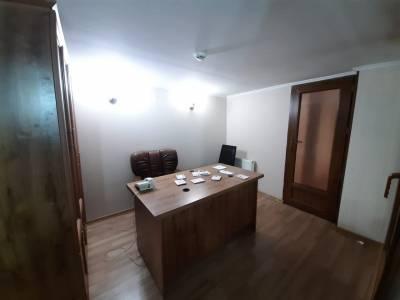 Bakı şəhəri, Səbail rayonunda, 4 otaqlı ofis kirayə verilir (Elan: 114917)