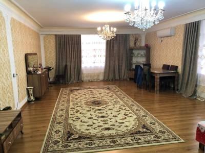 Bakı şəhəri, Nərimanov rayonunda, 4 otaqlı köhnə tikili satılır (Elan: 145723)