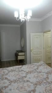 Bakı şəhəri, Xətai rayonunda, 2 otaqlı yeni tikili kirayə verilir (Elan: 141230)