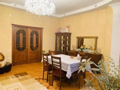 Bakı şəhəri, Nərimanov rayonunda, 3 otaqlı yeni tikili satılır (Elan: 157749)