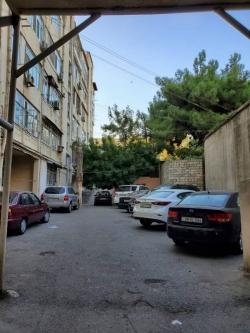 Bakı şəhəri, Nəsimi rayonunda, 2 otaqlı köhnə tikili kirayə verilir (Elan: 181848)