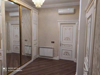 Bakı şəhəri, Yasamal rayonunda, 2 otaqlı yeni tikili kirayə verilir (Elan: 142153)