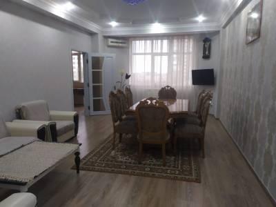 Bakı şəhəri, Nizami rayonunda, 3 otaqlı yeni tikili kirayə verilir (Elan: 113771)