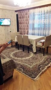 Bakı şəhəri, Nəsimi rayonunda, 2 otaqlı köhnə tikili satılır (Elan: 109115)