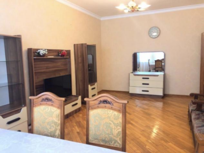 Bakı şəhəri, Nəsimi rayonunda, 3 otaqlı yeni tikili kirayə verilir (Elan: 108103)